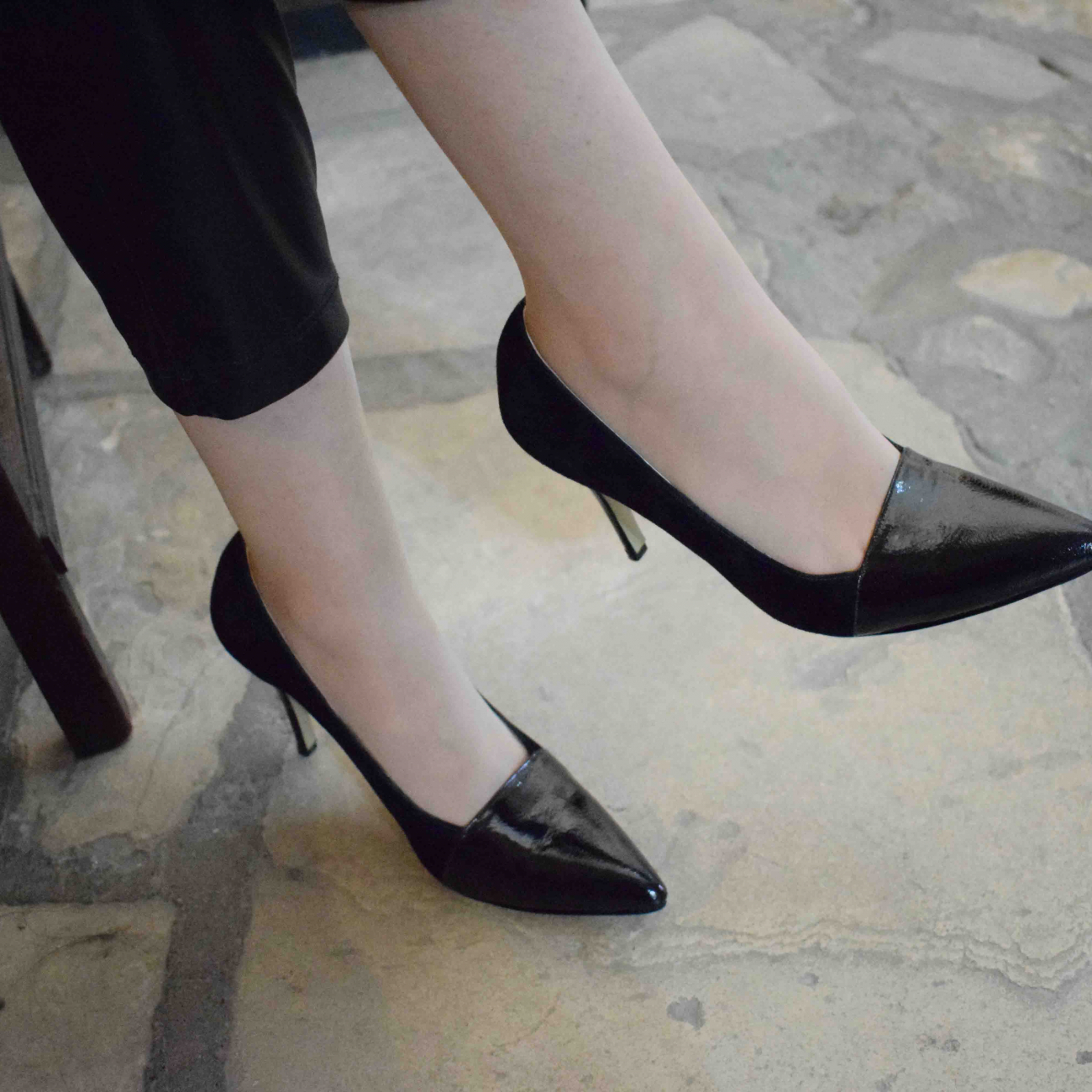 black shoe mid heel