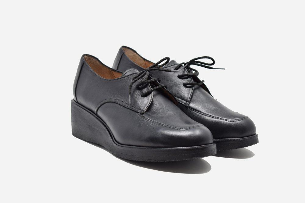 Women's orthopedic shoes